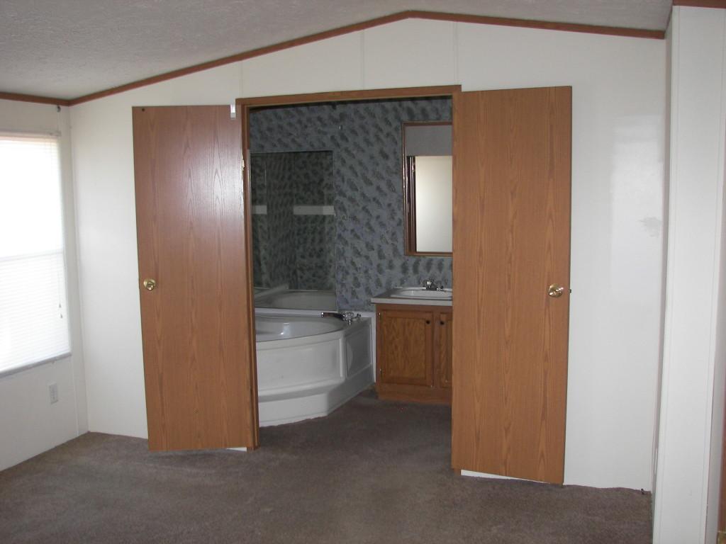 Sold kay lou 2611 ingersol parkbridge investment for Columbia flooring in danville va