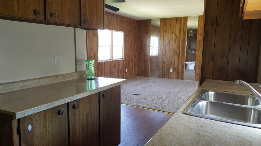 Sold 875 birch lot 208 shangri la village mhc for Columbia flooring danville va application